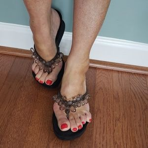 Used BCBG Wedge Heel Slip On Sandals 9B